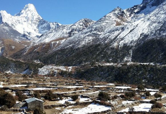 Dingboche way to Everest base camp